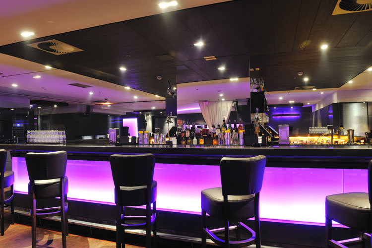 Beautiful Restaurant Bar - Main Auction Services